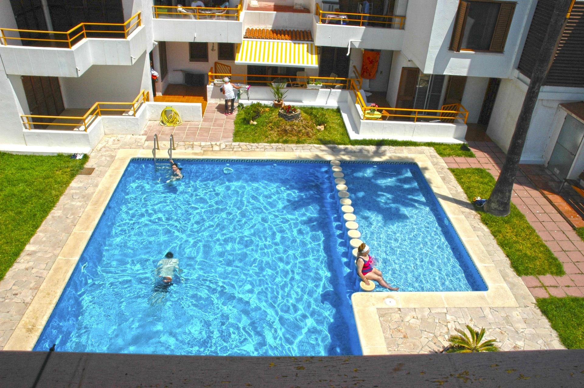 Apartament -                                       L´ampolla -                                       2 dormitoris -                                       4 ocupants
